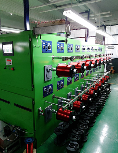 Horizontal enamelling machine